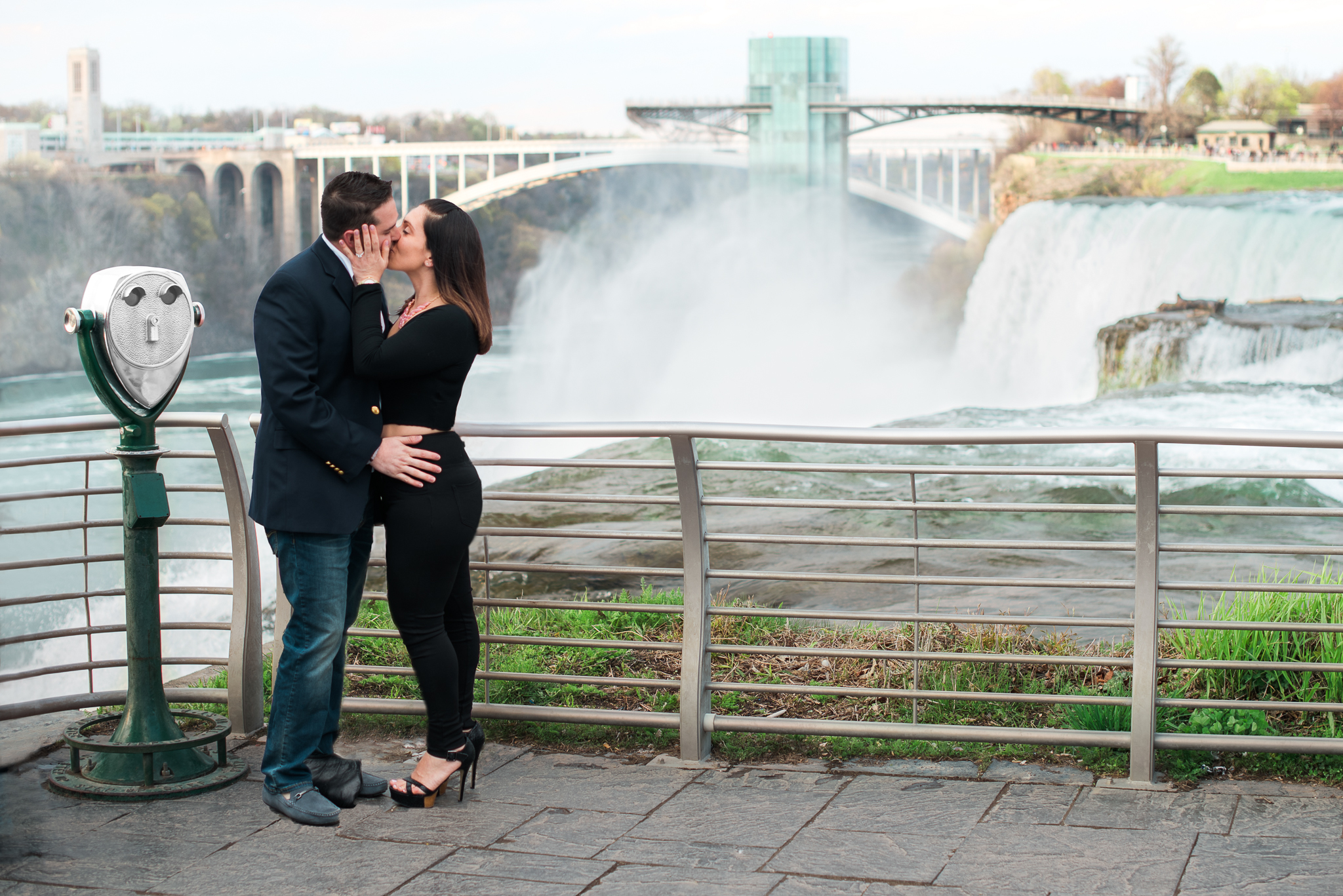 engagement photographer in Niagara Falls, NY